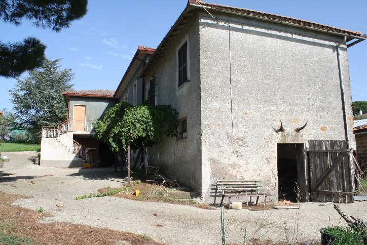 Rustico / Casale in vendita a Viterbo, 10 locali, zona Zona: Tobia, prezzo € 250.000 | Cambio Casa.it