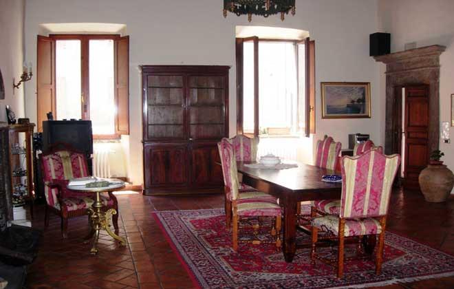 Soluzione Indipendente in vendita a Viterbo, 8 locali, zona Zona: Centro, prezzo € 450.000 | Cambio Casa.it