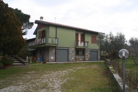 Soluzione Indipendente in vendita a Viterbo, 9 locali, zona Zona: Periferia, prezzo € 270.000 | Cambio Casa.it