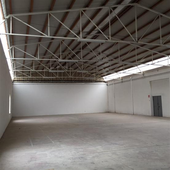 Capannone in vendita a Viterbo, 4 locali, zona Zona: Periferia, prezzo € 580.000 | Cambio Casa.it