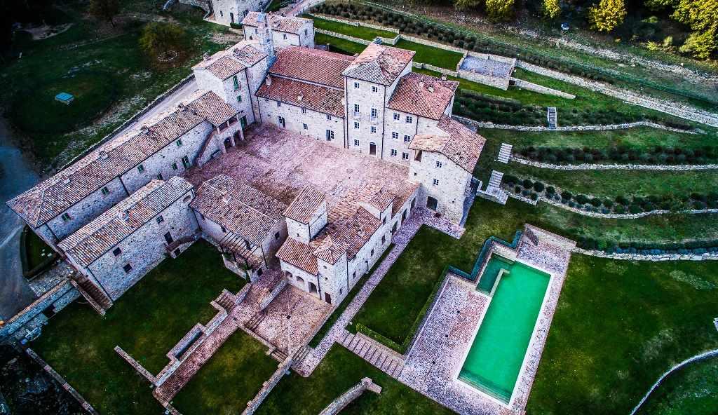 Albergo in vendita a San Casciano dei Bagni, 96 locali, Trattative riservate | Cambio Casa.it