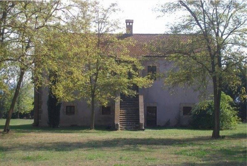 Rustico / Casale in vendita a Graffignano, 12 locali, zona Località: PISCIARELLO, prezzo € 450.000 | CambioCasa.it