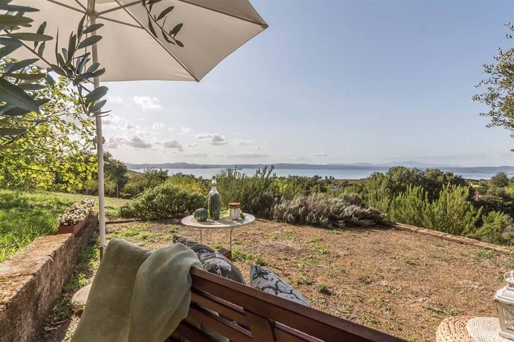 Villa in vendita a Bolsena, 8 locali, prezzo € 525.000 | CambioCasa.it