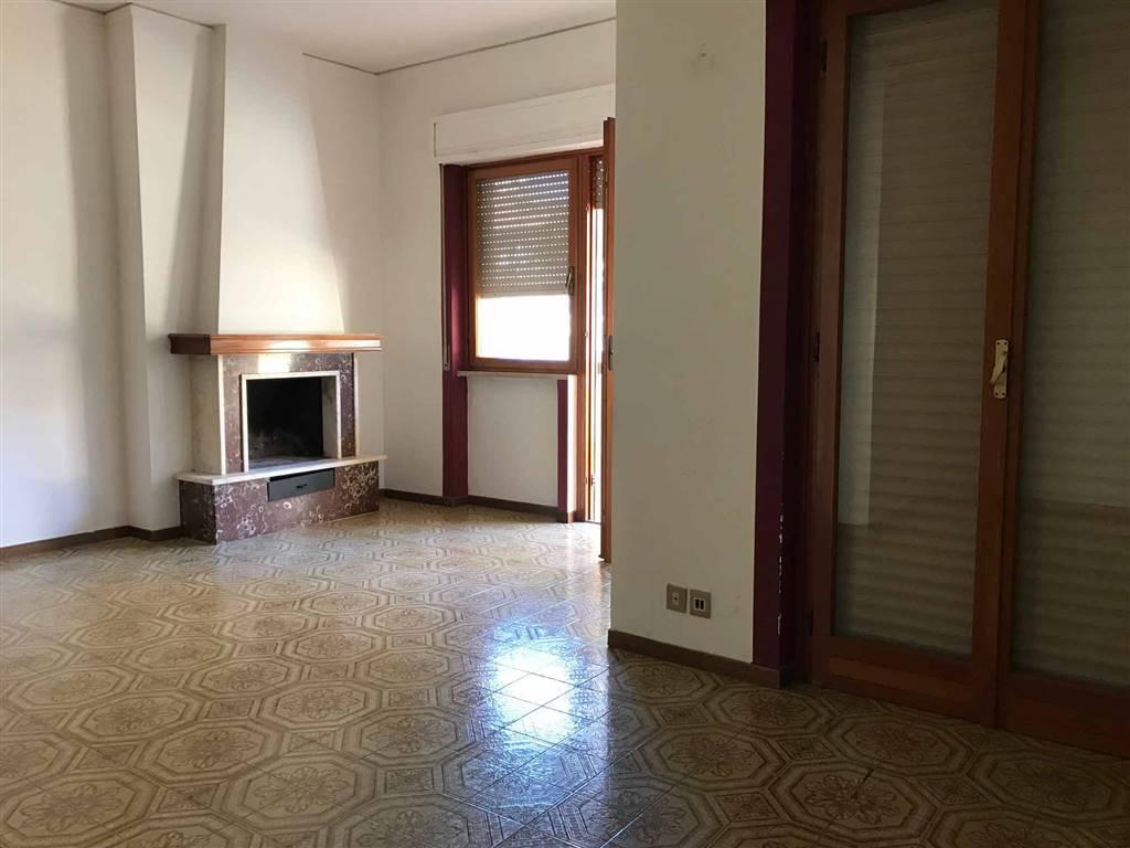 Appartamento in affitto a Viterbo, 6 locali, zona Località: MURIALDO, prezzo € 580 | Cambio Casa.it