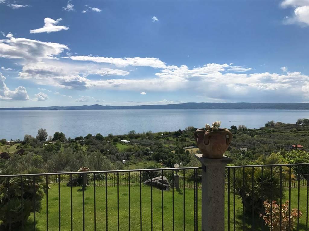 Villa in vendita a Bolsena, 12 locali, prezzo € 890.000 | CambioCasa.it