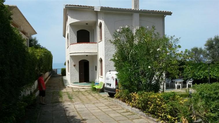 Villa in vendita a Bonifati, 7 locali, zona Zona: Cittadella del Capo, Trattative riservate | CambioCasa.it
