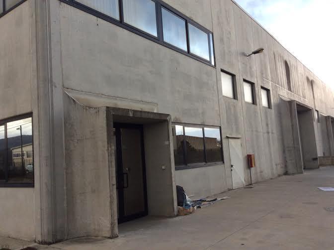 Capannone in affitto a Rende, 5 locali, zona Località: ZONA INDUSTRIALE, prezzo € 2.500 | CambioCasa.it