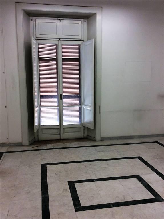 Ufficio / Studio in affitto a Cosenza, 9 locali, zona Zona: Viale Trieste, prezzo € 1.300 | CambioCasa.it