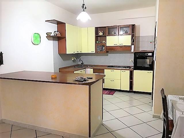 Appartamento in vendita a Mendicino, 4 locali, zona Zona: Tivolille, prezzo € 70.000 | CambioCasa.it