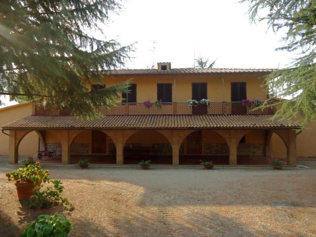 Villa in vendita a Poggibonsi, 18 locali, prezzo € 1.150.000 | Cambio Casa.it