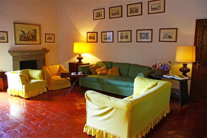 Palazzo / Stabile in affitto a Barberino Val d'Elsa, 7 locali, Trattative riservate | Cambio Casa.it
