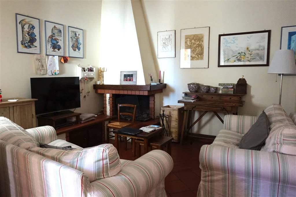 Appartamento in vendita a Tavarnelle Val di Pesa, 5 locali, prezzo € 190.000 | Cambio Casa.it