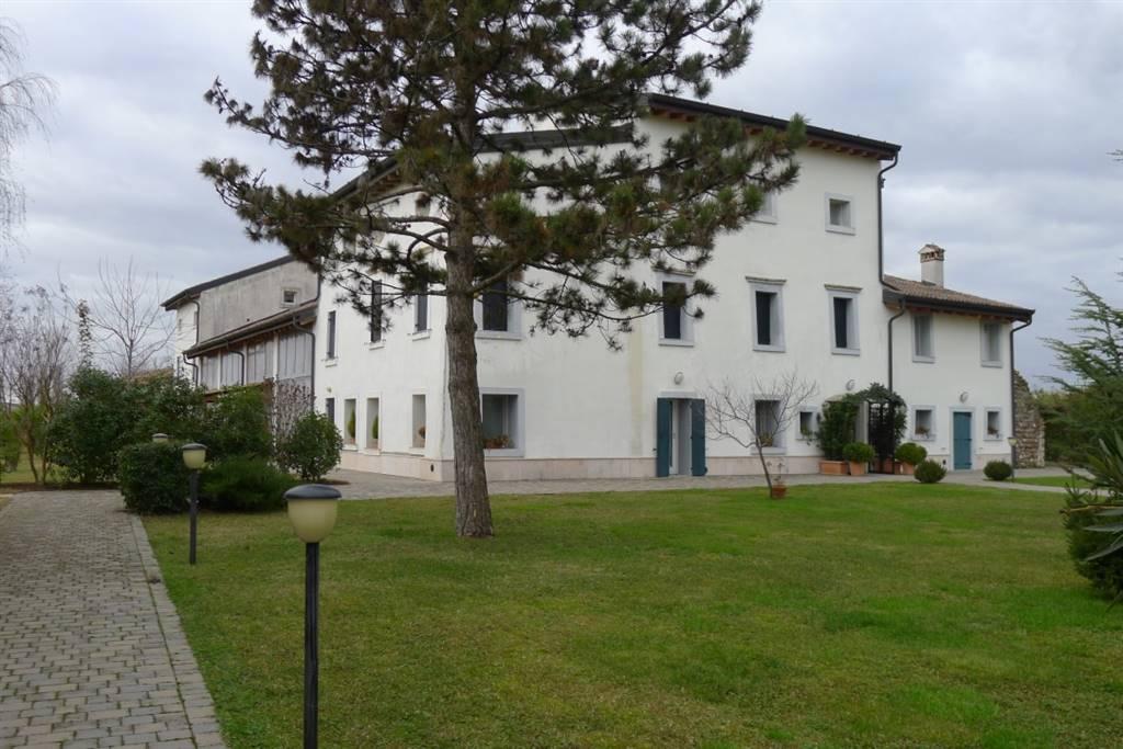 Rustico / Casale in Vendita a Povegliano Veronese