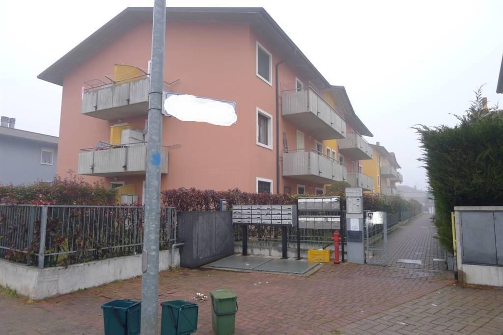 Camere Da Letto Matrimoniali Veneto : Case mozzecane compro casa in vendita e affitto