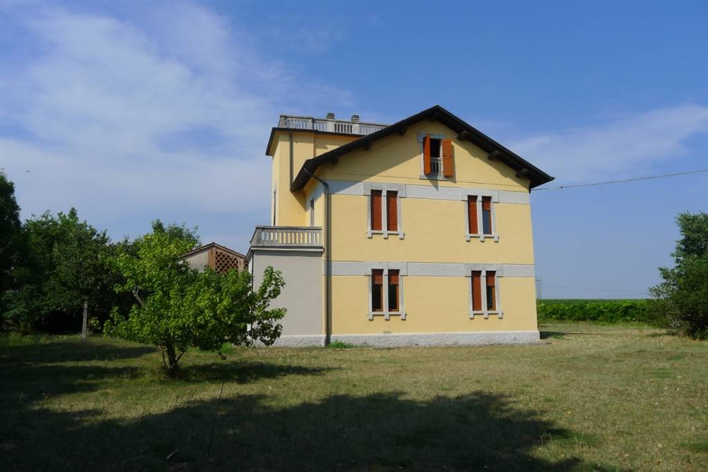 Villa in Vendita a Villafranca di Verona