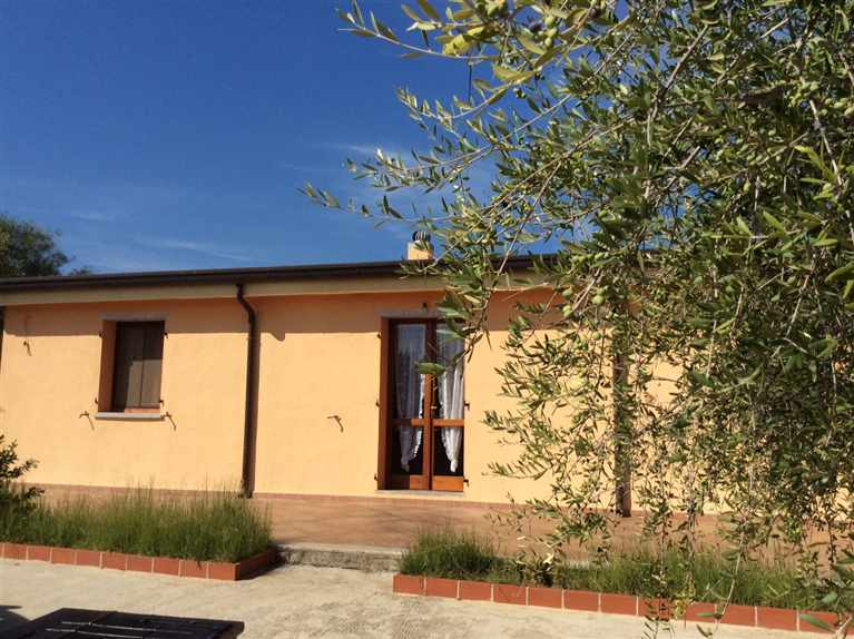 Casa in vendita siniscola in provincia di nuoro a for Case in vendita milano e provincia