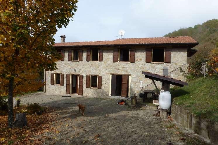 Colonica, Iola, Montese, ristrutturata