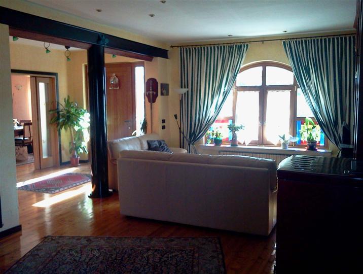 Soluzione Indipendente in vendita a Pianiga, 7 locali, prezzo € 315.000 | CambioCasa.it