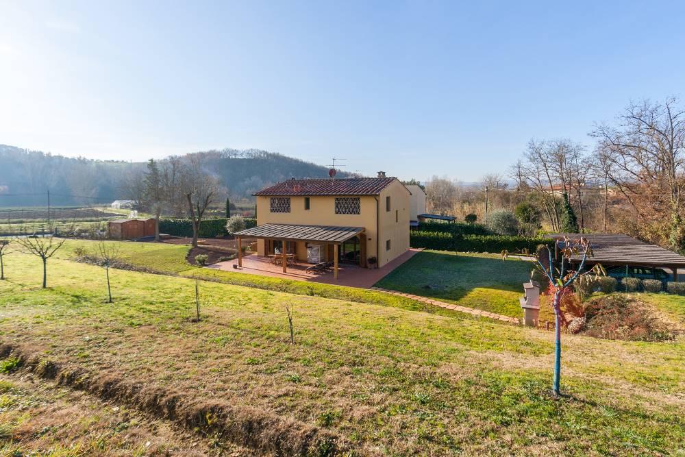1053-635 Villa a CERTALDO