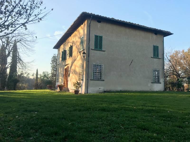 1159 Rustic farmhouse in FUCECCHIO