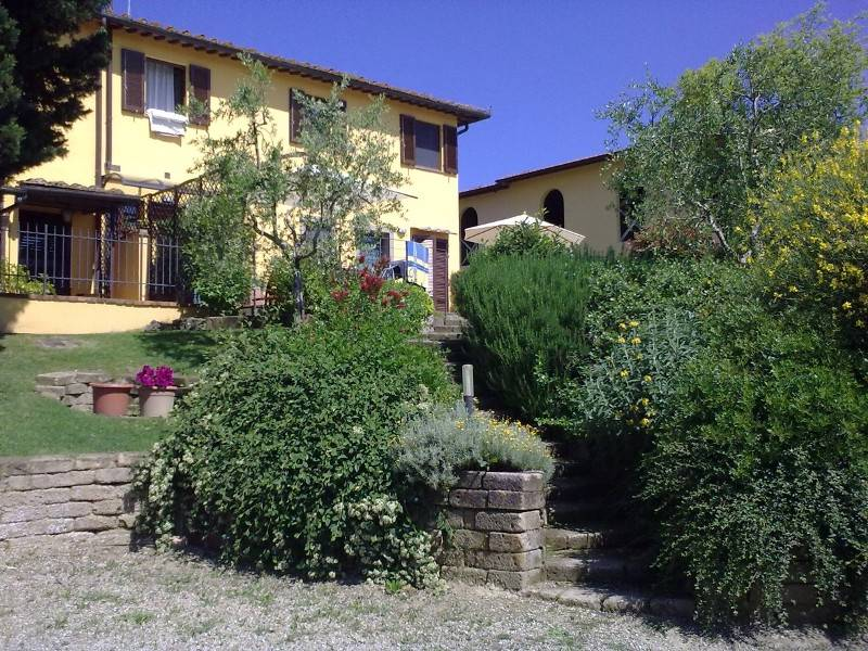 1160 Rustic farmhouse in CASTELFIORENTINO