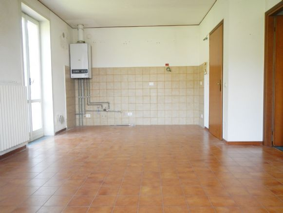 Appartamento in affitto a Colle Brianza, 2 locali, zona Zona: Nava, prezzo € 400 | Cambio Casa.it