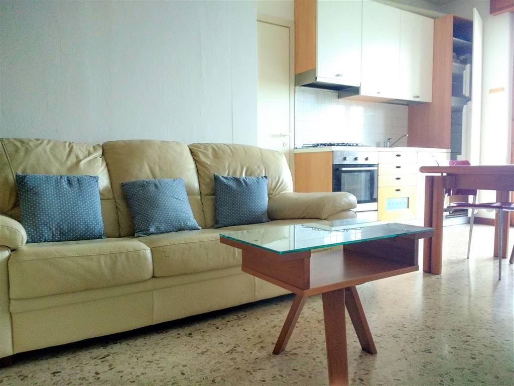 Appartamento in affitto a Garlate, 2 locali, prezzo € 450 | CambioCasa.it