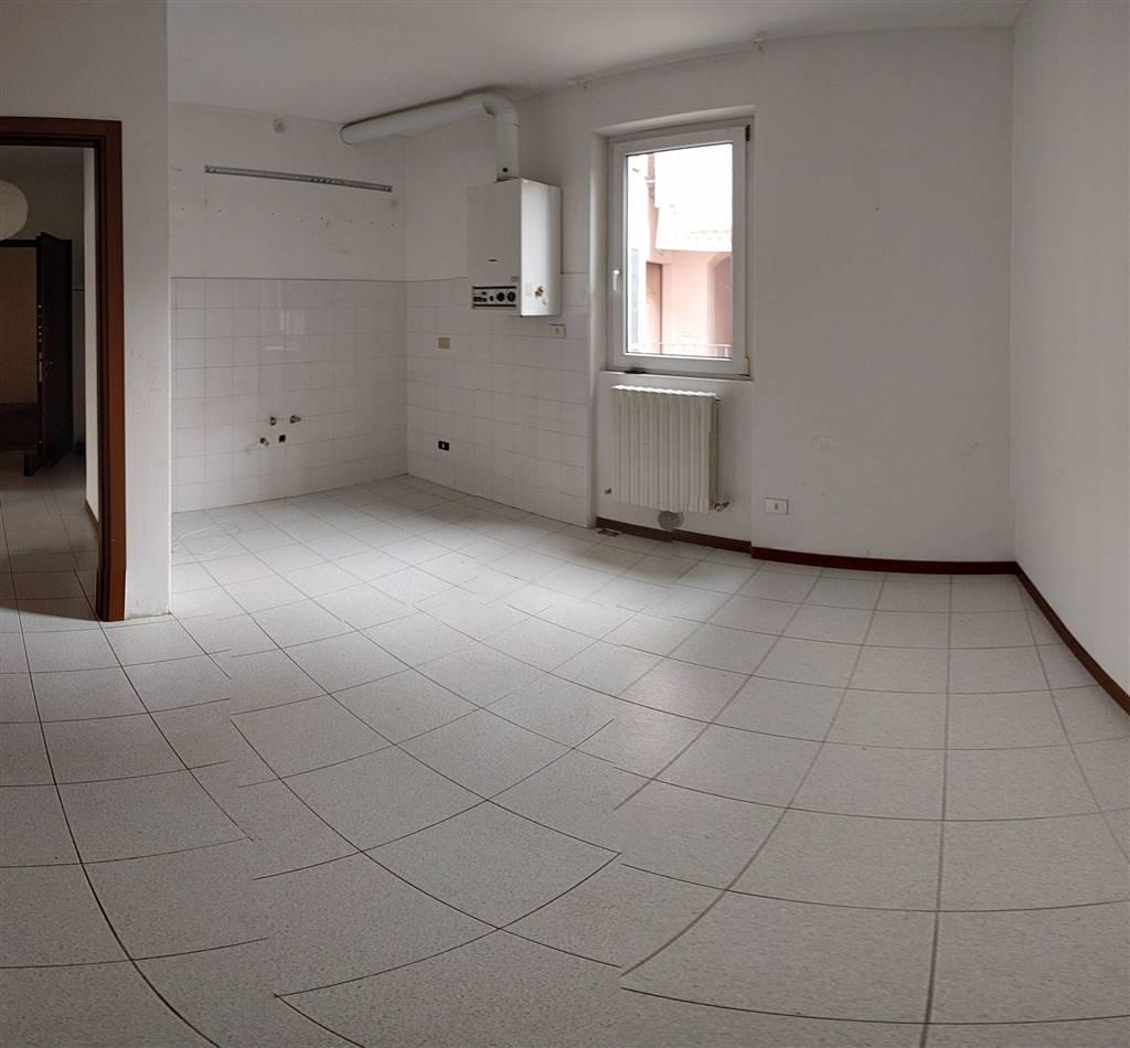 Appartamento in affitto a Introbio, 3 locali, prezzo € 300 | Cambio Casa.it