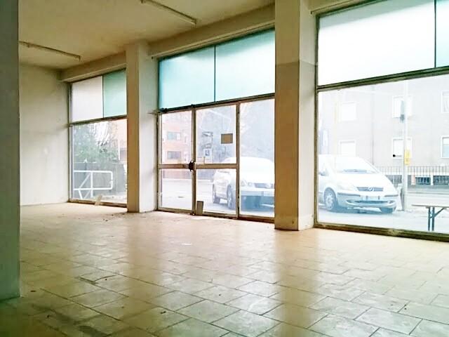 Negozio / Locale in affitto a Calolziocorte, 9999 locali, zona Zona: Sala, prezzo € 20.000 | Cambio Casa.it