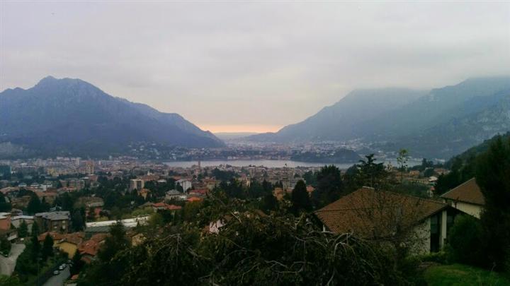 Villa in vendita a Lecco, 5 locali, zona Zona: Bonacina, prezzo € 695.000 | CambioCasa.it