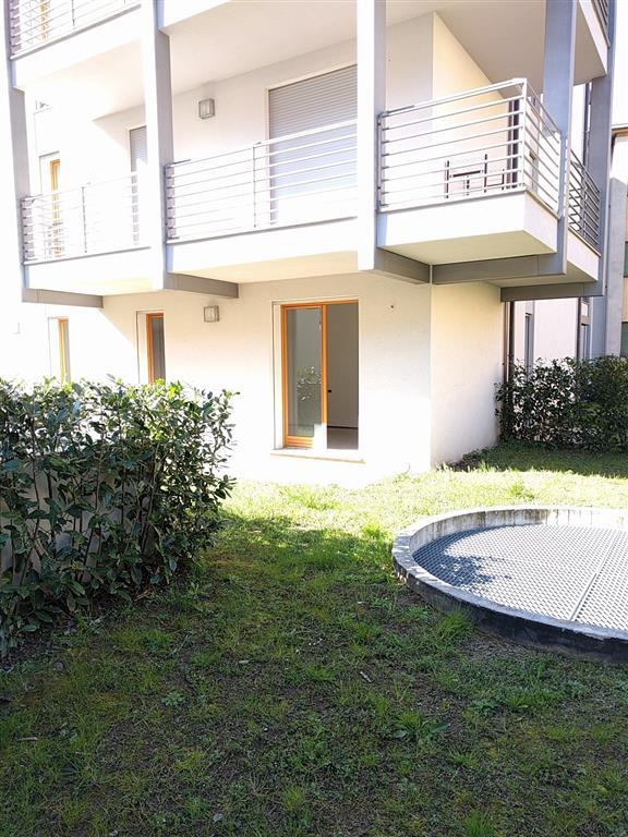 Appartamento in vendita a Lecco, 2 locali, zona Zona: Maggianico, prezzo € 150.000 | CambioCasa.it