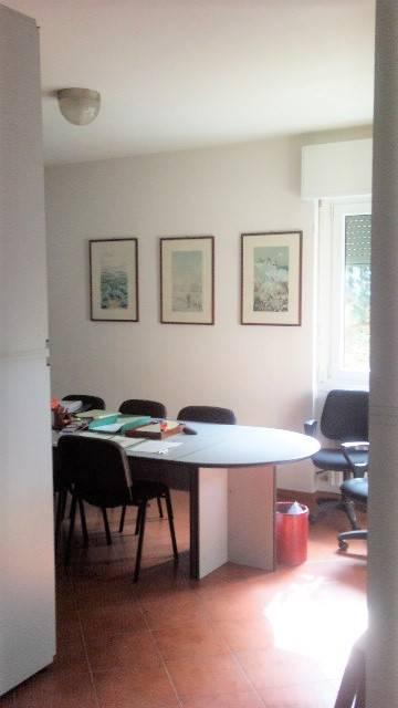 Ufficio / Studio in affitto a Vercurago, 2 locali, prezzo € 450 | CambioCasa.it