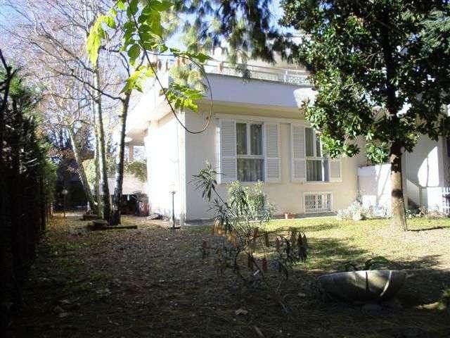 Villa in vendita a Paderno Dugnano, 7 locali, zona Zona: Palazzolo Milanese, prezzo € 595.000 | CambioCasa.it