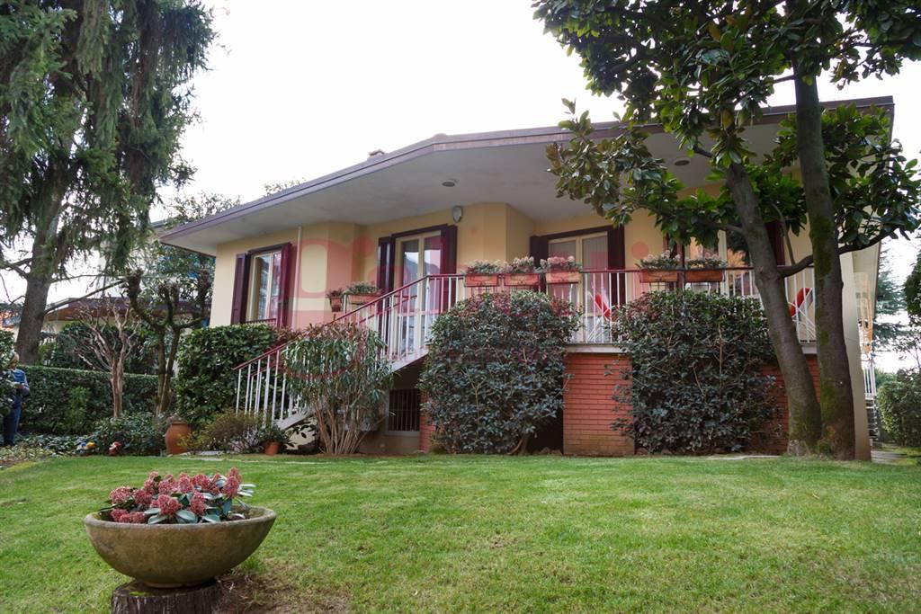 Villa in vendita a Paderno Dugnano, 7 locali, zona Località: INCIRANO, prezzo € 930.000 | CambioCasa.it
