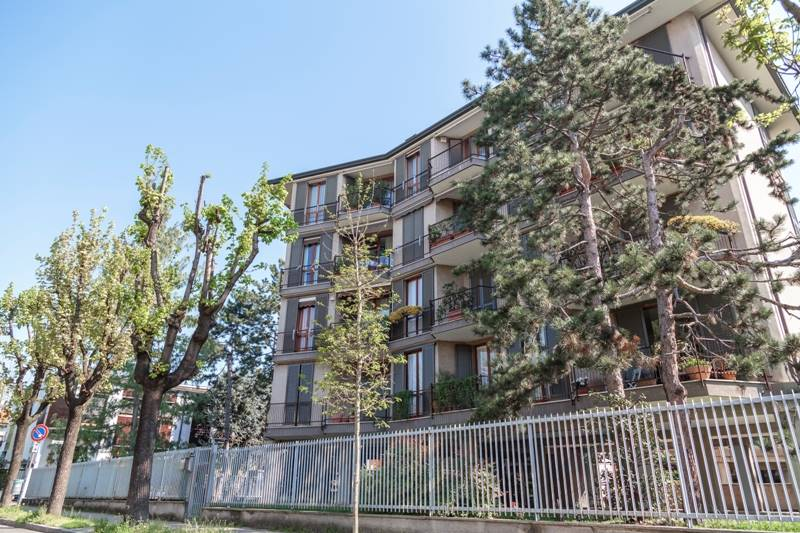 Appartamento in affitto a Varedo, 3 locali, zona Località: VAREDO, prezzo € 700 | CambioCasa.it