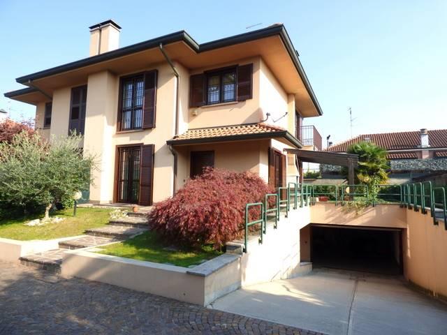 Villa in vendita a Paderno Dugnano, 4 locali, zona Zona: Palazzolo Milanese, prezzo € 420.000 | CambioCasa.it