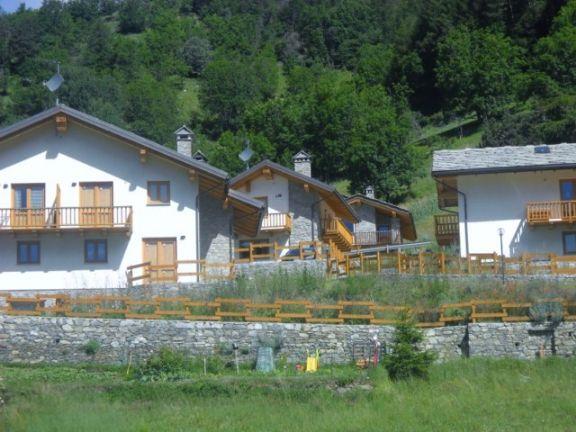 Case etroubles compro casa etroubles in vendita e affitto - Patrizia immobiliare ...
