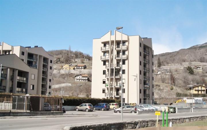 Attico / Mansarda in vendita a Aosta, 3 locali, zona Zona: Periferia, prezzo € 238.000 | CambioCasa.it