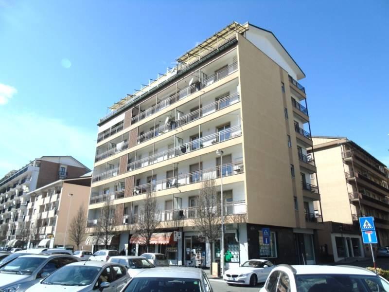 Appartamento in affitto a Aosta, 5 locali, zona Zona: Centro, prezzo € 650 | Cambio Casa.it