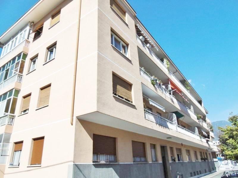 Appartamento in affitto a Aosta, 5 locali, prezzo € 650 | Cambio Casa.it