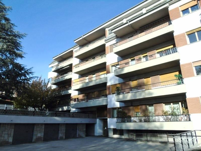 Appartamento in affitto a Aosta, 4 locali, zona Zona: Centro, prezzo € 600 | Cambio Casa.it