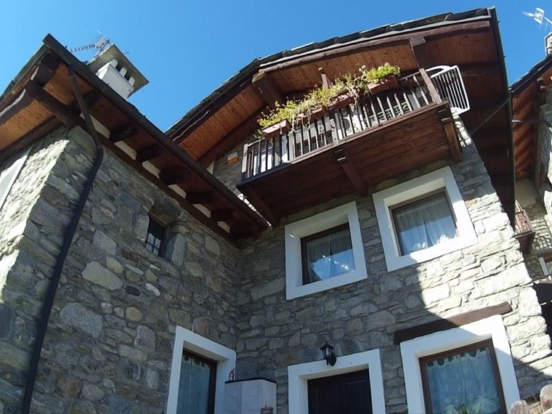 Villa in vendita a Quart, 6 locali, zona Località: VERNEY, prezzo € 365.000 | Cambio Casa.it