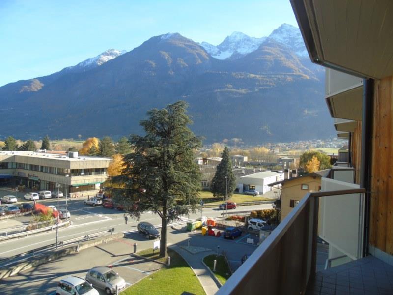 Appartamento in affitto a Aosta, 2 locali, zona Zona: Centro, prezzo € 460 | CambioCasa.it
