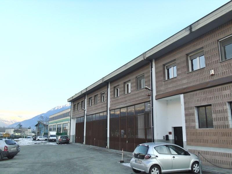 Ufficio / Studio in affitto a Quart, 3 locali, prezzo € 500 | CambioCasa.it