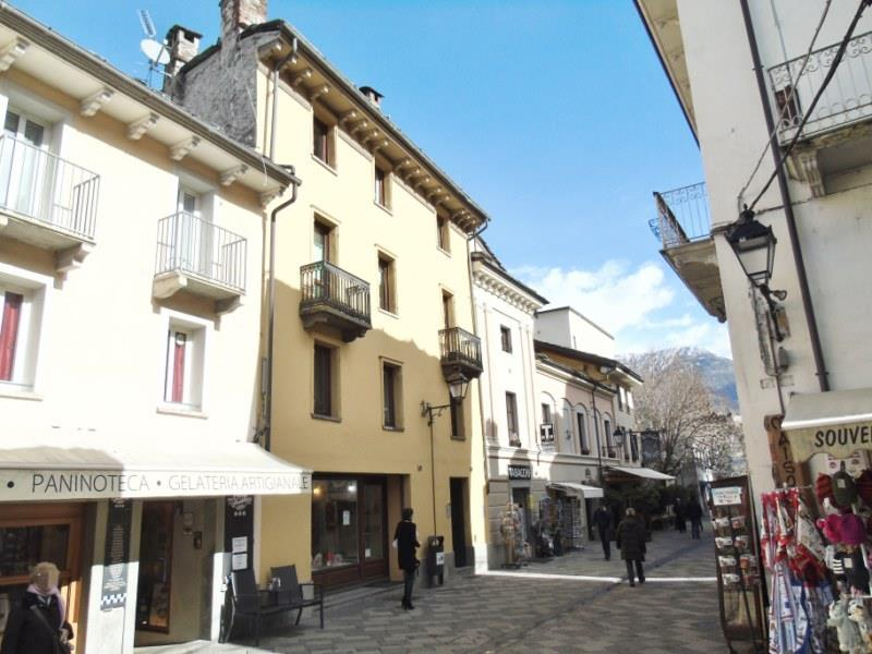 Appartamento in affitto a Aosta, 2 locali, zona Zona: Centro, prezzo € 500 | Cambio Casa.it