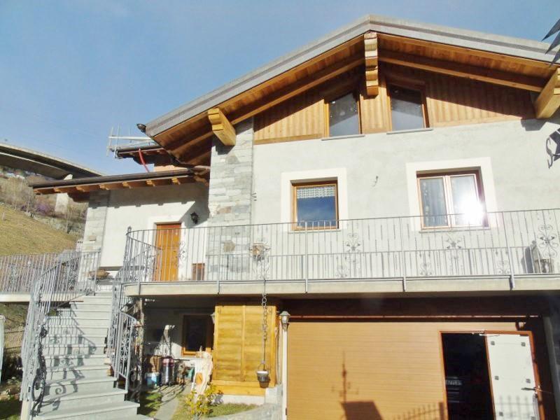 Villa in vendita a Gignod, 6 locali, zona Località: ARLIOD, prezzo € 389.000 | CambioCasa.it