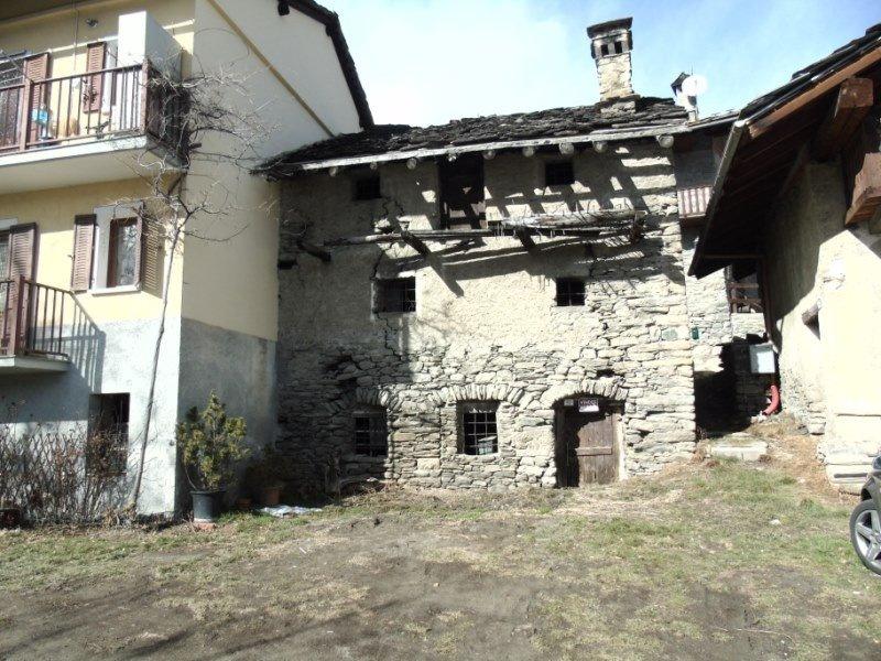 Rustico / Casale in vendita a Sarre, 3 locali, prezzo € 60.000 | CambioCasa.it