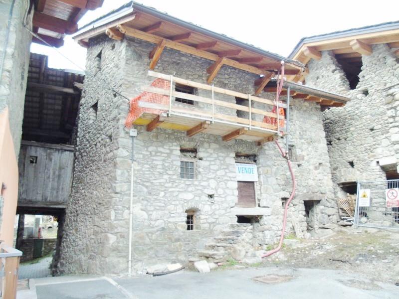 Appartamento in vendita a Valpelline, 4 locali, prezzo € 65.000 | Cambio Casa.it