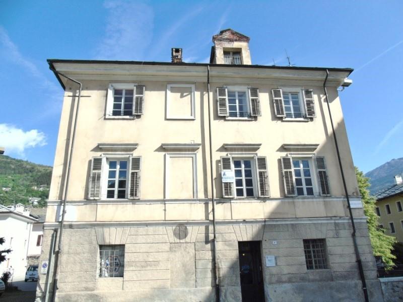 Ufficio / Studio in Affitto a Aosta