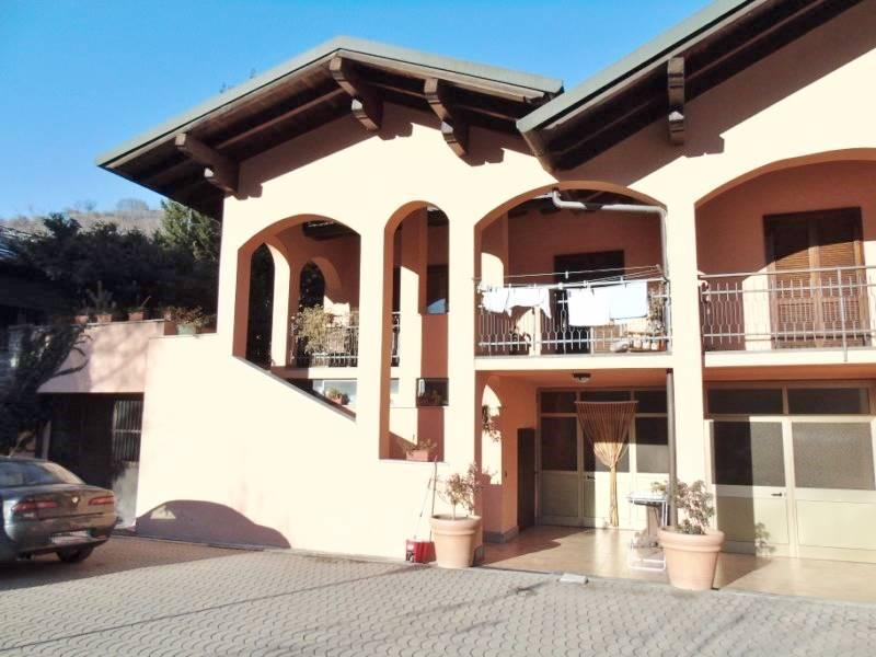 Villa Bifamiliare in Vendita a Quart